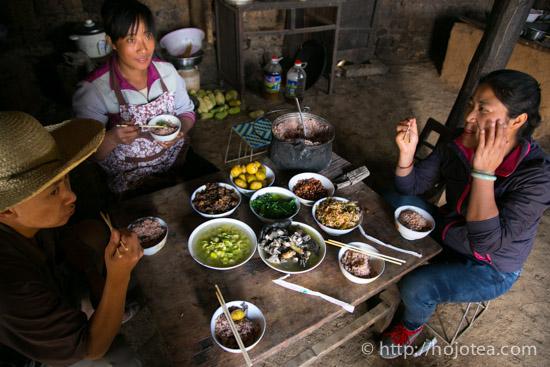 少数民族の昼食