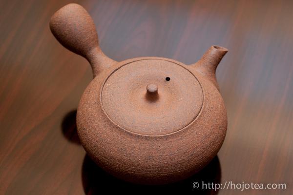 shigaraki teapot by masaki tachi