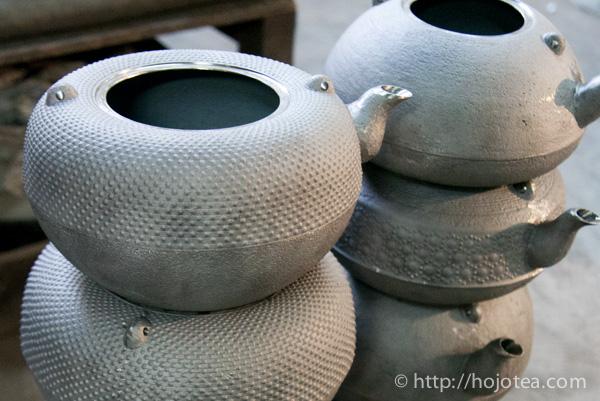 釜焼き前の鉄瓶