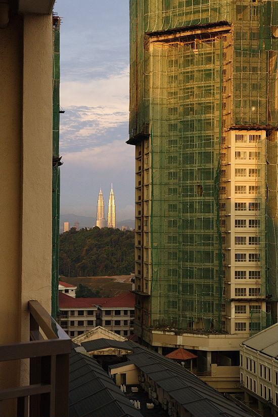 ペトロナスツインタワーも見えます。