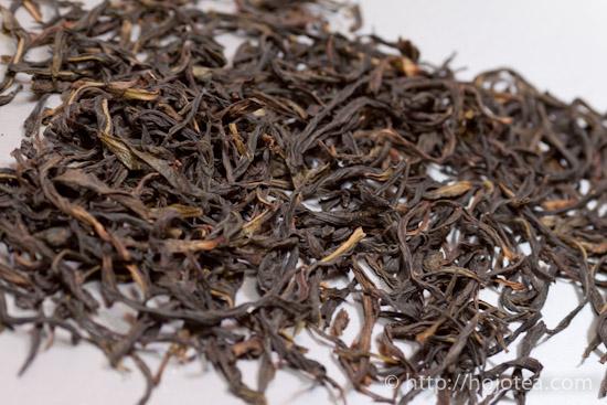 鳳凰単叢烏龍茶の茶葉