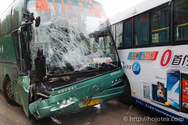 中国でバスの事故