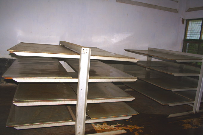 Stainless steel trays used for fermentation
