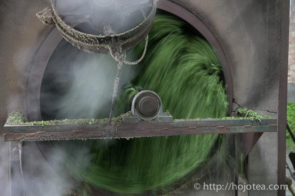 ドラムによるベース緑茶の殺青