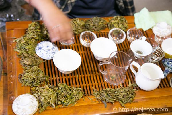 ジャスミンプーアル茶の原料となるプーアル生茶