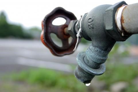 亜鉛は水道管の至る所に使用されており味覚に大きく影響をしております。